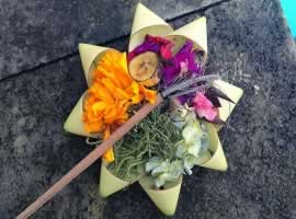 Balinese Offering - Canang Sari | Bali Travel Information | Bali Golden Tour