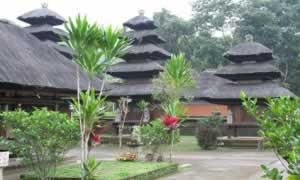 Balinese Temple | Bali Travel Information | Bali Golden Tour