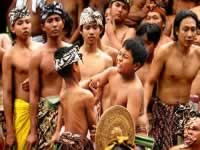 CHILD DOING WAR DANCE OR PERANG PANDAN | BALI GOLDEN TOUR