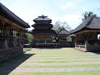 INSIDE BATUAN TEMPLE